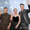 Ким Ги Док със Златен Лъв от фестивала във Венеция